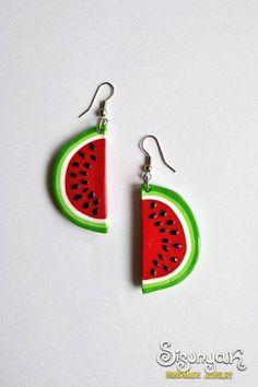 Watermelon Earrings, i just really want fruit earrings Cute Polymer Clay, Polymer Clay Charms, Polymer Clay Jewelry, Diy Clay Earrings, Funky Earrings, Clay Crafts, Cute Jewelry, Biscuit, Handmade Jewelry