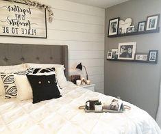 30 Modern Farmhouse Bedroom Lighting Ideas – Best Home Decorating Ideas Modern Farmhouse Bedroom, Modern Farmhouse Decor, Farmhouse Style, Modern Bedrooms, Luxury Bedroom Design, Master Bedroom Design, Master Suite, Interior Design, Resorts