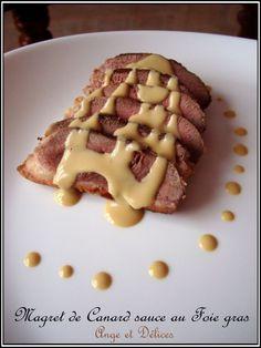 Magret de canard et sauce au foie gras