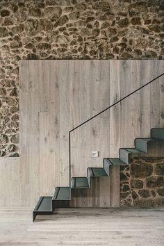 Masia espanola convertida en una casa moderna 9