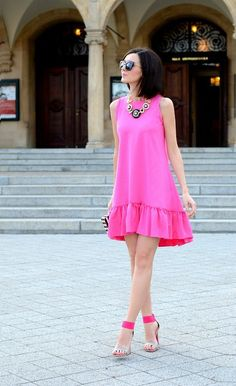Pretty Summer Pink Dress ♔Life, likes and style of Creole-Belle ♥ Pink Fashion, Love Fashion, Fashion Dresses, Womens Fashion, Fashion Trends, Net Fashion, Fashion Details, Street Fashion, Cute Dresses