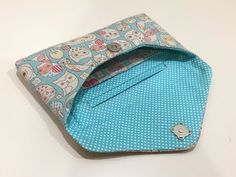 New Sewing Purses And Bags English Ideas Wallet Tutorial, Diy Wallet, Sewing Patterns Free, Sewing Tutorials, Diy Bags No Sew, Sewing Machine Projects, Sewing To Sell, Wallet Pattern, Patchwork Bags