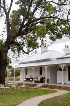 In Print: Country Style Mag Australia House, Australia Living, Country Farmhouse, Modern Farmhouse, Warwick House, Country Style Magazine, Facade House, Victorian Homes, Farm Life