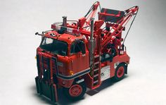 International Tow Truck - By Tom Hart Model Truck Kits, Snow Plow, Tow Truck, Cool Trucks, Toms, Scale, Engineering, Vehicles, Weighing Scale