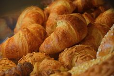 Fresh golden brown croissants retail display Bakery Baking Baking Cookies Bread Close-up Croissant Croissant For Breakfast Croissants Cuisine Day Food Food And Drink French Food Freshness Freshness Golden Golden Brown Healthy Eating Retail  Retail Display Store Sweet Food Sweets Taste Good Tasty