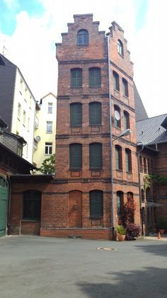 Beautiful #Hannover architecture on our Linden tour #historicalbuildings #germany #travelpics eat-the-world.com
