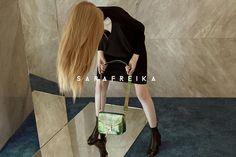Campaign for our Fall/Winter 2017/2018 Collection featuring the Lima Crossbody Bag. #SARAFREIKA #Bag #Editorial. ................................................................................................................ Campaña para nuestra colección de otoño/invierno 2017/2018 con la Bolsa Lima.