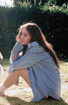 Image about kpop in Krystal Jung by Irene on We Heart It Krystal Fx, Jessica & Krystal, Kpop Girl Groups, Kpop Girls, Korean Beauty, Asian Beauty, K Pop, Korean Girl, Asian Girl