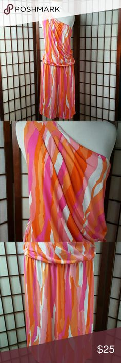 "TORI RICHARD One Shoulder Dress Size XL Pre-owned gently worn  Tori Richard size xl One Shoulder dress Stretchable waist Made of polyester and spandex  Multicolor  (shade of orange, pink, white) Draped Blouson dress MEASUREMENTS Approximate  Pit to pit 22"" Shoulder to hem 42"" Waist 34-42"" stretchable Tori Richard Dresses One Shoulder"