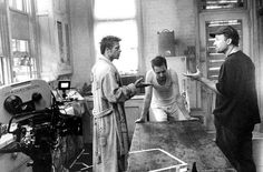 Brad Pitt, Edward Norton and David Fincher on the set of Fight Club.