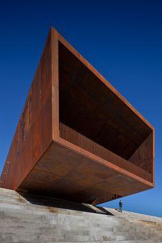 Pavilhão Multiusos de Lamego / Barbosa & Guimarães