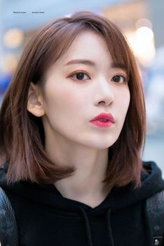Proud of cute Japanese girls with meek eyes, angel's smile and graceful shyness. Sakura Miyawaki, Japanese Girl Group, Cute Korean, K Idols, Korean Girl Groups, Girl Crushes, Kpop Girls, Asian Beauty, Asian Girl