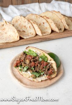 f you're looking for an authentic yet Low Carb Tortilla, try these nut free, keto, paleo and gluten free tortillas! These are the most legit keto tortilla you will ever have! Just 1 net carb per tortilla! Cookbook Recipes, Beef Recipes, Low Carb Recipes, Whole Food Recipes, Dinner Recipes, Low Carb Pizza, Low Carb Bread, Low Carb Keto, Keto Bread
