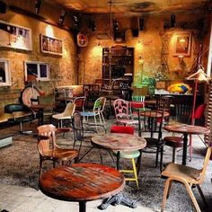 The coolest ruin bar in #Budapest #travel #nofilter #picoftheday pic.twitter.com/3JLZ1DyKw7 Coffee Shop Interior Design, Pub Interior, Coffee Shop Design, Cafe Design, House Design, Deco Restaurant, Rustic Restaurant, Restaurant Concept, Restaurant Design