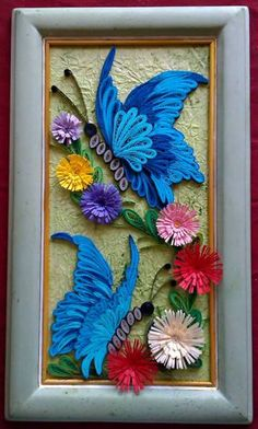 Flowers and butterflies framed quilled art Quilling Butterfly, Arte Quilling, Quilling Letters, Paper Quilling Patterns, Quilling Paper Craft, Butterfly Frame, Quilling Ideas, Recycled Paper Crafts, Cardboard Crafts