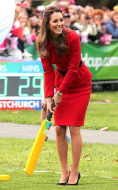 Kate Middleton plays cricket in high heels and still manages to look flawless!