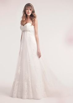 Alita Graham's gown No. 7703 with sweetheart neckline. #RandyToTheRescue #BrideDay #Weddings