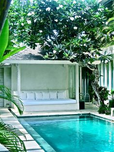 Cabana with pool. Pinned to Pool Design by Darin Bradbury. Outdoor Rooms, Outdoor Living, Moderne Pools, Pool Cabana, Small Pools, Dream Pools, Swimming Pool Designs, Backyard Patio, Backyard Ideas