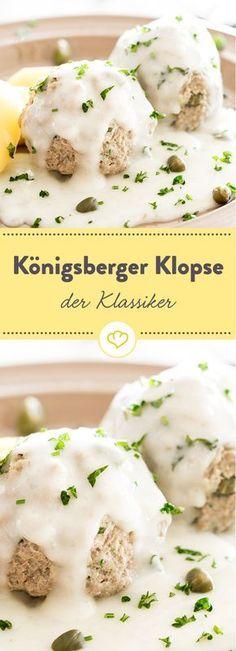 Warum der deutsche Klassiker auch Kapernklopse genannt wird? Weil die kleinen Klopse in einer Sauce aus Kapern, Zitronensaft und Sahne serviert werden.