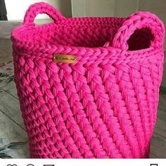 Crochet Bag Zpagetti Trapillo Ideas For 2019 Crochet Diy, Crochet Amigurumi, Crochet Home, Simple Crochet, Crochet Stitches, Crochet Basket Pattern, Cotton Cord, T Shirt Yarn, Tricot Crochet