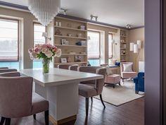 Гостиная. На полу массивная доска, Finex. Door Storage, Small Apartments, Color Mixing, Dining Chairs, Doors, Interior Design, Table, Furniture, Home Decor