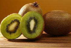 A kiviről bebizonyították, hogy az egyike azon gyümölcsöknek, melyeknek legjobb hatása van az egészségre.   A kivi egyszerre édes és savanyú, puha, de...