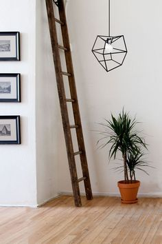 I also like the ladder deco. Home Interior Design, Interior Styling, Interior And Exterior, Interior Decorating, Deco Luminaire, Home Decor Inspiration, Home And Living, Living Room, Beautiful Space