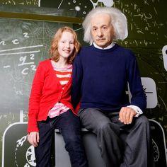 Zit naast een levensechte Einstein in Madame Tussauds.