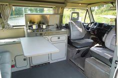 Cheap motorhome hire from friendly private owners. Hire a motorhome quickly & easily - at PaulCamper! Eurovan Camper, Volkswagen Westfalia Campers, Vw T3 Camper, T3 Vw, Volkswagen Bus Interior, Campervan Interior, Combi Vw T2, Wolkswagen Van, Camper Furniture