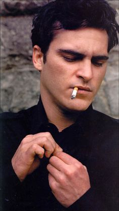 Google Image Result for http://www.ijustwannalivemylife.com/wordpress/wp-content/uploads/2008/10/joaquin_phoenix_front.jpg