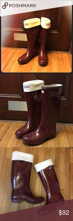 Tall Hunter Huntress Rain Boots, Merlot, size 7 Tall Hunter Huntress Gloss Rain boots in great condition! These waterproof boots are Merlot in color, with cream colored fleece boot socks ($30 new!) included. Women's size Size 7/EU38. Hunter Shoes Winter & Rain Boots