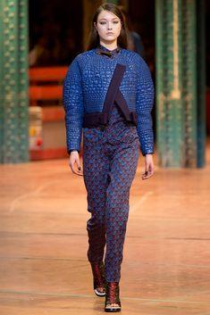 Kenzo Fall 2013 Ready-to-Wear Fashion Show - Yumi Lambert (Women)
