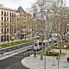 Passeig De St Joan Boulevard, Barcelona redesigned by architect Lola Domènech. Click image for fully-illustrated description and visit the slowottawa.ca boards >> http://www.pinterest.com/slowottawa
