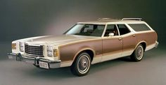 1977 Ford LTD II Country Squire Arlene's mgrs car while selling tupperware Cars Usa, Us Cars, Retro Cars, Vintage Cars, Antique Cars, Station Wagon Cars, Automobile, Ford Ltd, Ford Lincoln Mercury