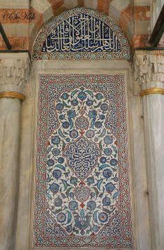 The Tomb of Ottoman Sultan Murat III, Ayasofya, Istanbul, Turkey Islamic Architecture, Historical Architecture, Beautiful Architecture, Art And Architecture, Turkish Art, Turkish Tiles, Islamic World, Islamic Art, Arabesque