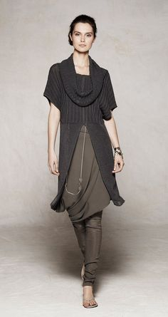 Sarah Pacini (does not ship to the US yet).