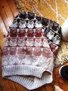 This would make great sock for someone who loves owls. Slumreteppet Malsen (by osloann)