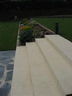 Detalle de tratamiento de jardin por NRCR ARQUITECTOS S.L.P.