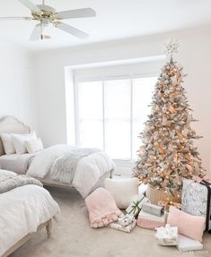The sweetest girls room decorated for Christmas - love the two twin beds! The sweetest girls room decorated for Christmas - love the two twin beds! Christmas Bedroom, Pink Christmas, Christmas Home, Christmas Presents, Christmas Crafts, Funny Christmas, Outdoor Christmas, Christmas Traditions, Christmas Lights