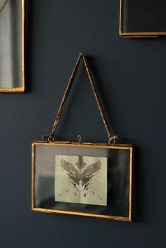 "Brass & Glass Picture Frame – Landscape Messing & Glas Bilderrahmen – 4 ""x Landschaft This image has. Glass Picture Frames, Picture Wall, Picture Collages, Hanging Picture Frames, Home Decoracion, Finding A House, My New Room, Messing, Landscape Designs"