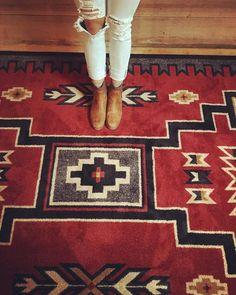Southwestern Area Rugs, Southwest Decor, Southwestern Decorating, Southwest Style, Native American Rugs, Native American Fashion, Navajo Rugs, Western Homes, Tropical Decor