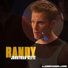 Randy (Jonathan Keltz) è il ragazzo di Nicole in #UnCompleannoDaLeoni.  Se quella che #JeffChang, Casey e Miller vivranno sarà la notte più folle  di sempre, per Randy si trasformerà in un vero incubo in cui tutto gli  andrà storto.