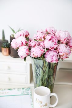 Pink peonies, cactus and succulents, and palm leaf calendar on August and a y'all mug. All my faves Fresh Flowers, Dried Flowers, Beautiful Flowers, Beautiful Images, Beautiful Things, Peonies Bouquet, Pink Peonies, Peony, Bouquets