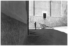 Henri Cartier-Bresson Salerno, Italy (1933)  