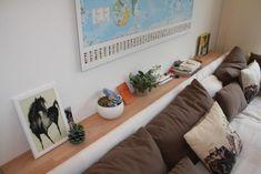 wohnzimmer 'leben und lieben' - vivir y amar - zimmerschau Corner Sofa Table, Couch, Bedroom Ideas, Nyc, Get A Life, Home Living Room, Shelf, Ad Home, Projects