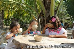 """En la Escapada """"Recorrido Gastronómico"""", podrás saborear deliciosos platillos típicos de las comunidades de la #ZonaMaya mientras escuchas el Maya Pax, música tradicional maya. #MayaKaan #Chunhuhub"""