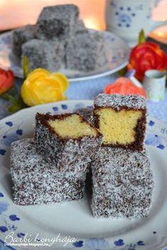Barbi konyhája: Kókuszkocka - Lamington szelet Hungarian Desserts, Hungarian Cake, Winter Food, Easy Desserts, Christmas Cookies, Nutella, Sweet Recipes, Food To Make, Cheesecake
