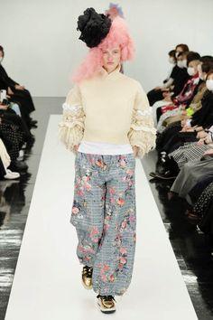 Runway Fashion, High Fashion, Autumn Fashion, Fall Winter, Women Wear, Knitting, Skirts, Pants, How To Wear