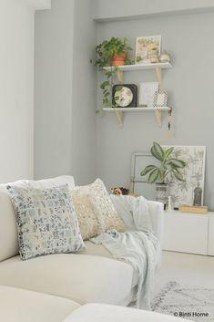 Home Decor Ideas - Velvet cushion stylingCollection Inca&Co X Binti Home - Art of the desert ©BintiHome Velvet Cushions, Bedroom Inspo, Room Colors, Game Room, Home Art, Interior Inspiration, Sweet Home, Gallery Wall, Pillows