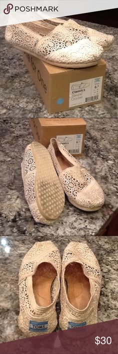 Toms Women's Classics Natural Crochet sz 6.5 Very lightly worn Classics crochet design in natural. Little wear in footbed- excellent used condition. TOMS Shoes Flats & Loafers